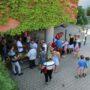Cocktail- Smoothie-Stand – hat einen Schattenplatz am Eingang des Kindergartens gefunden