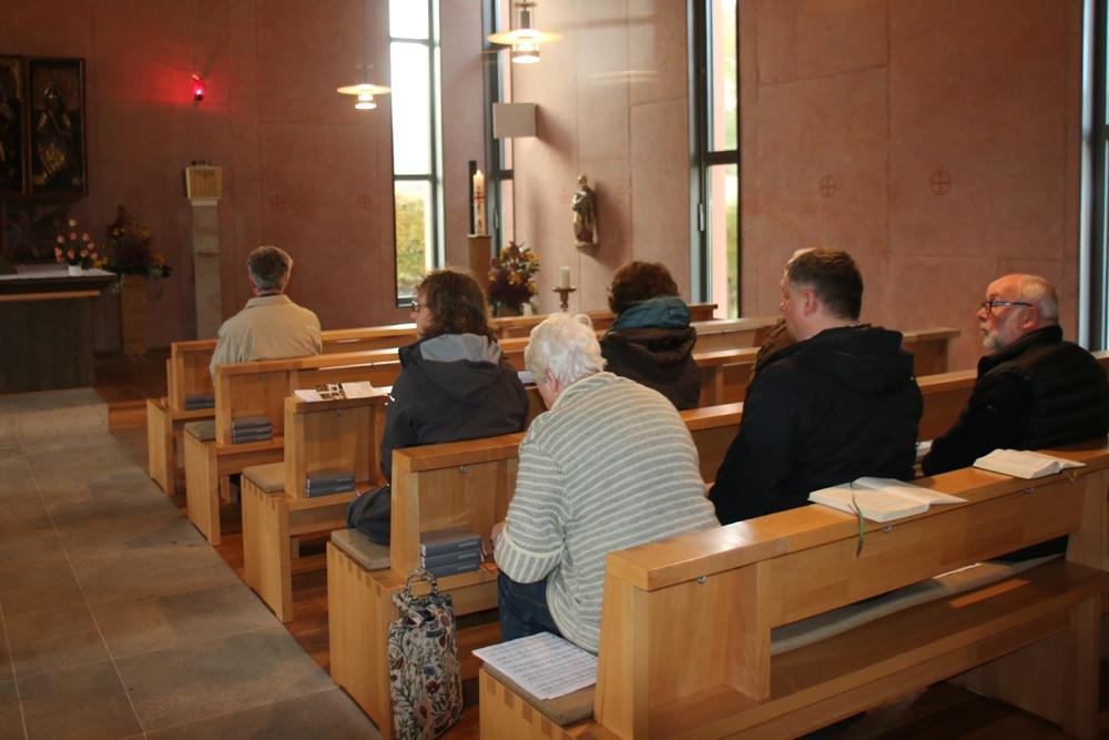 Stille in der Naundorfer Kapelle