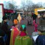 Ökumenische Sternsinger auf dem Markt im Alaunpark