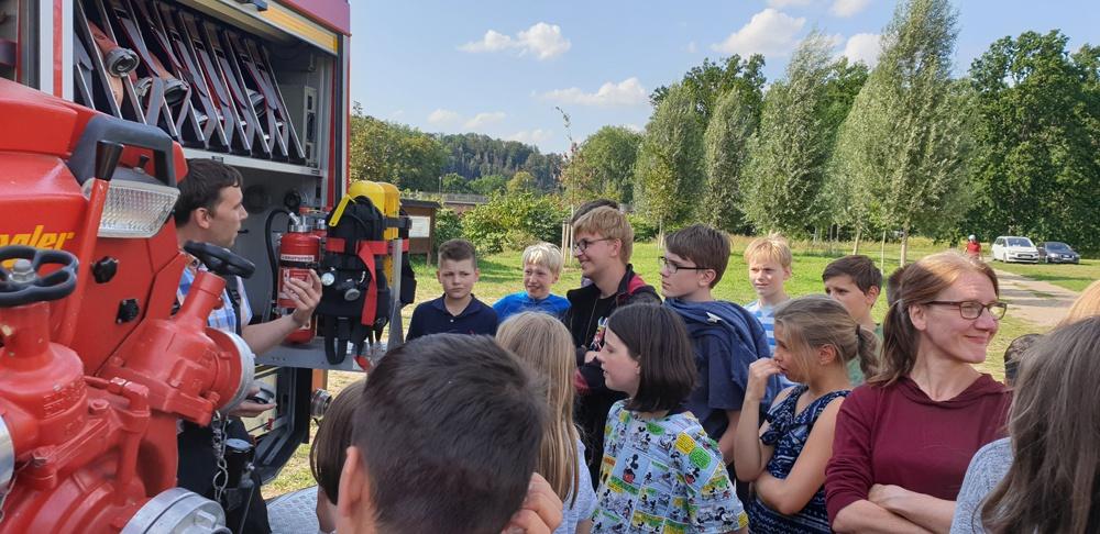 Feuer kann mit Wasser gelöscht werden – die Feuerwehr Wechselburg stellt sich vor